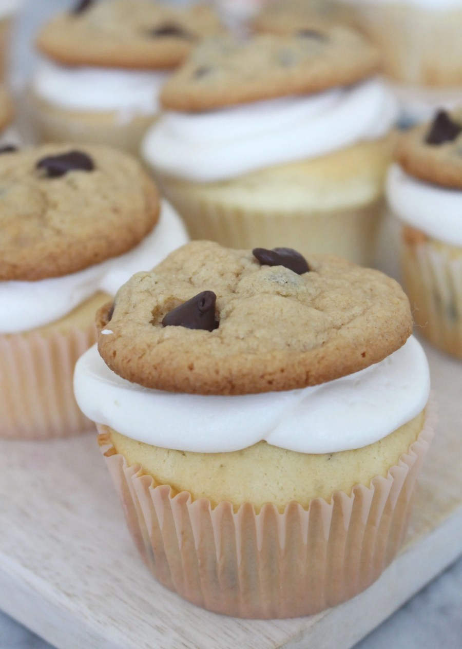 chocolate chip cookie cupcakes, Treats and Trends, baking blog