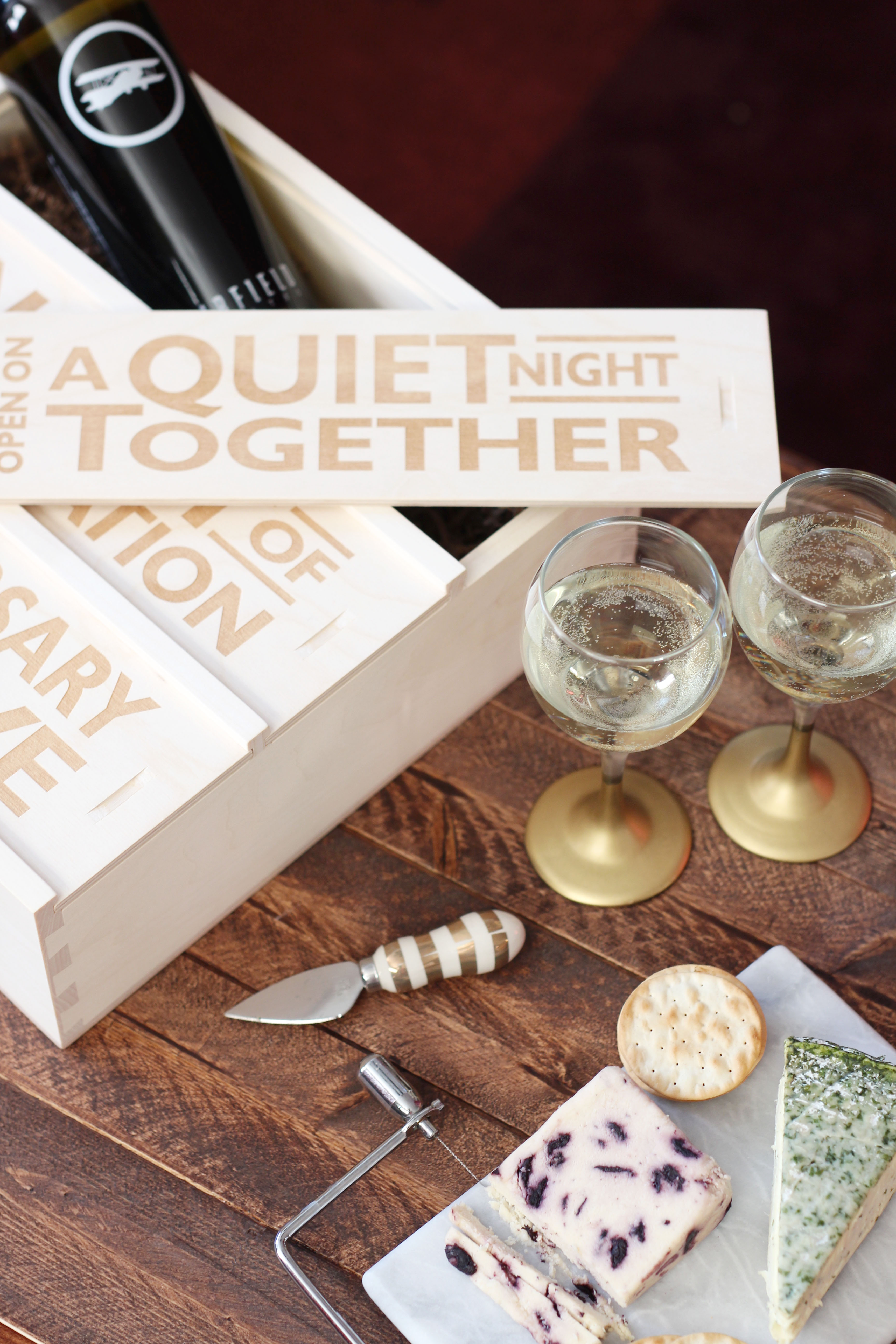 Wedding & Anniversary Gift Ideas - Treats and Trends