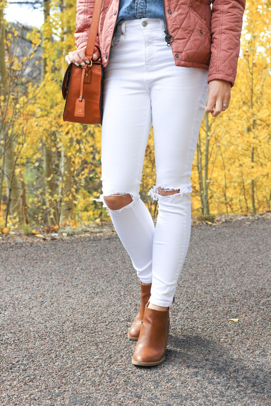 Pink Quilted Barbour Jacket, Treats and Trends Blog, Jamie Kamber, Women's Fashion, fall fashion, fall outfit idea, pinterest outfit idea, white jeans, Target booties, aspen trees