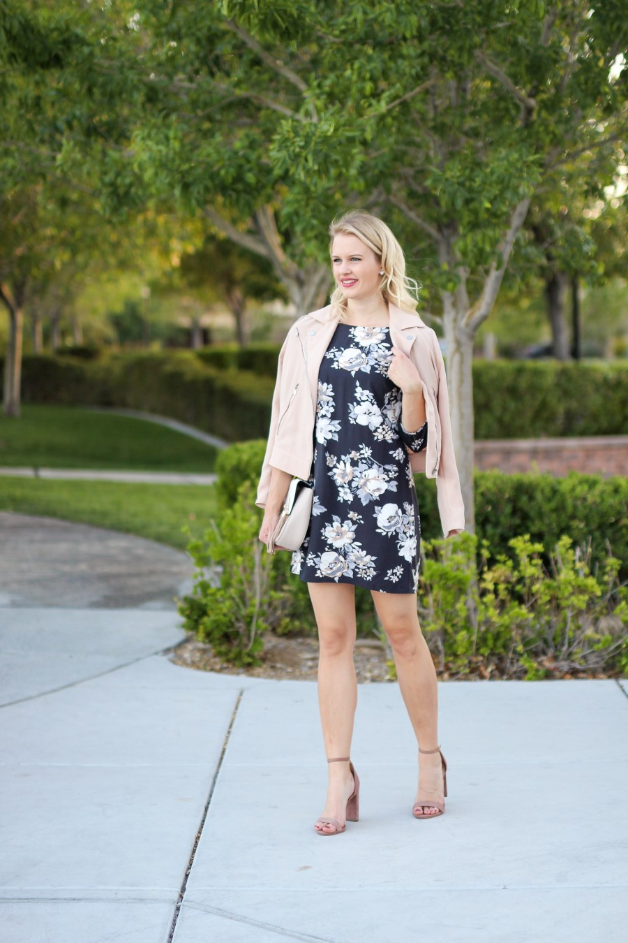 Floral Dress, Treats and Trends, Fashion Blog, Blogger, Old Navy Dress, Blush, Jamie Kamber, Fall Fashion, Pinterest Outfit
