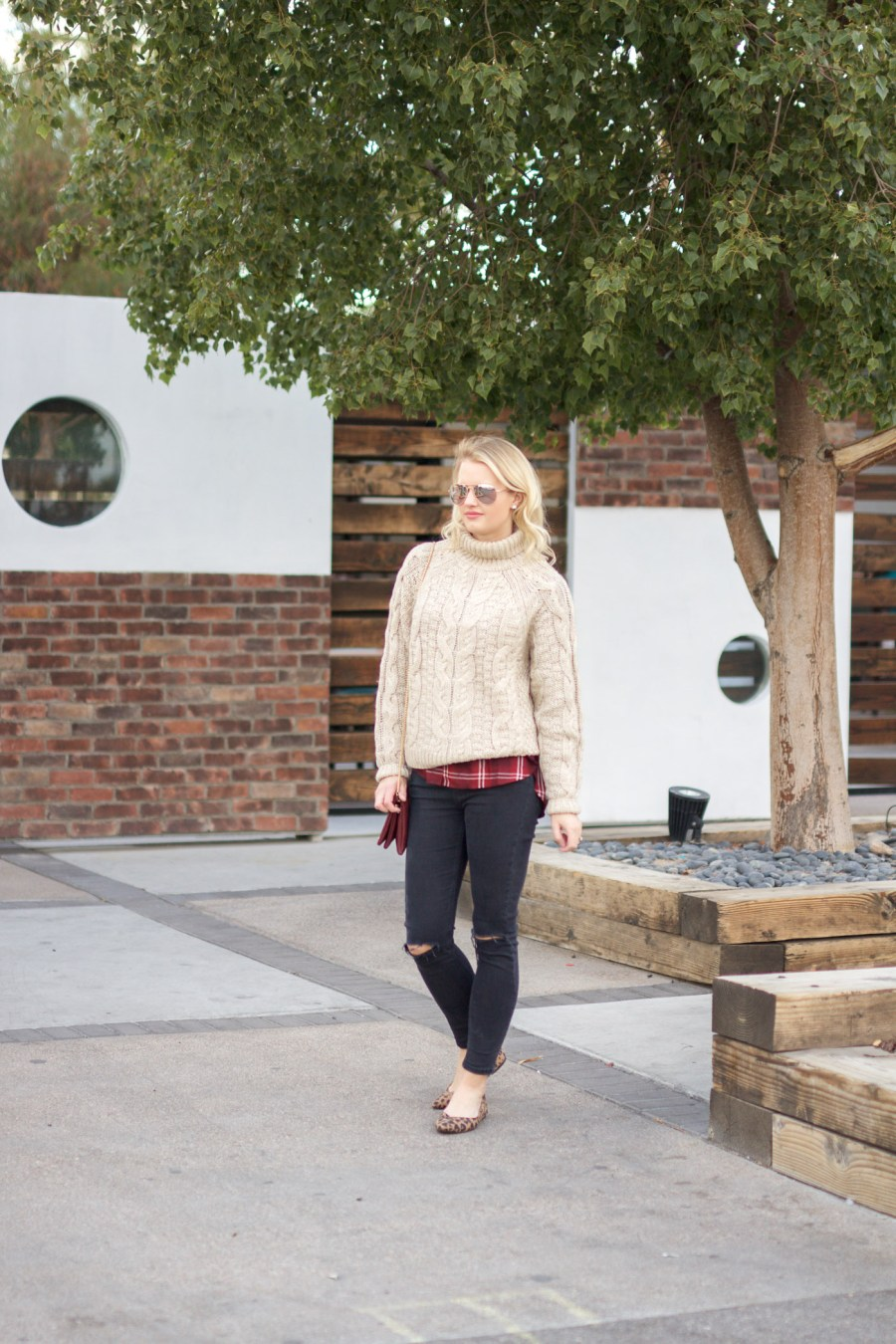 oversized sweater, how to style an oversized sweater, fashion blog, Treats and Trends, pinterest outfit idea, fall outfit