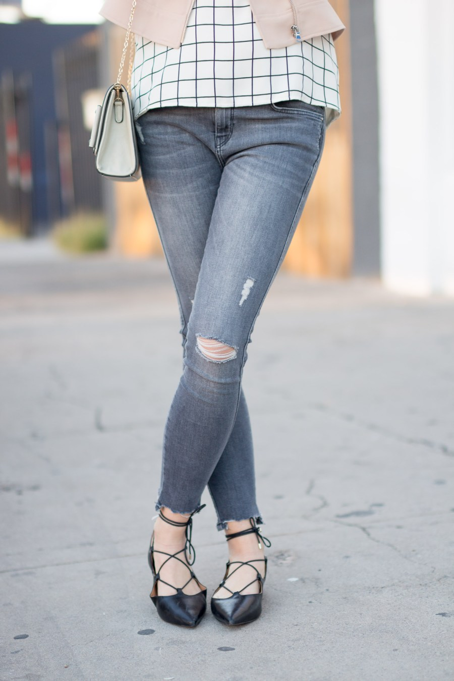 How To Wear Grey Jeans, fashion blog, Treats and Trends, women outfit ideas , ZARA jeans