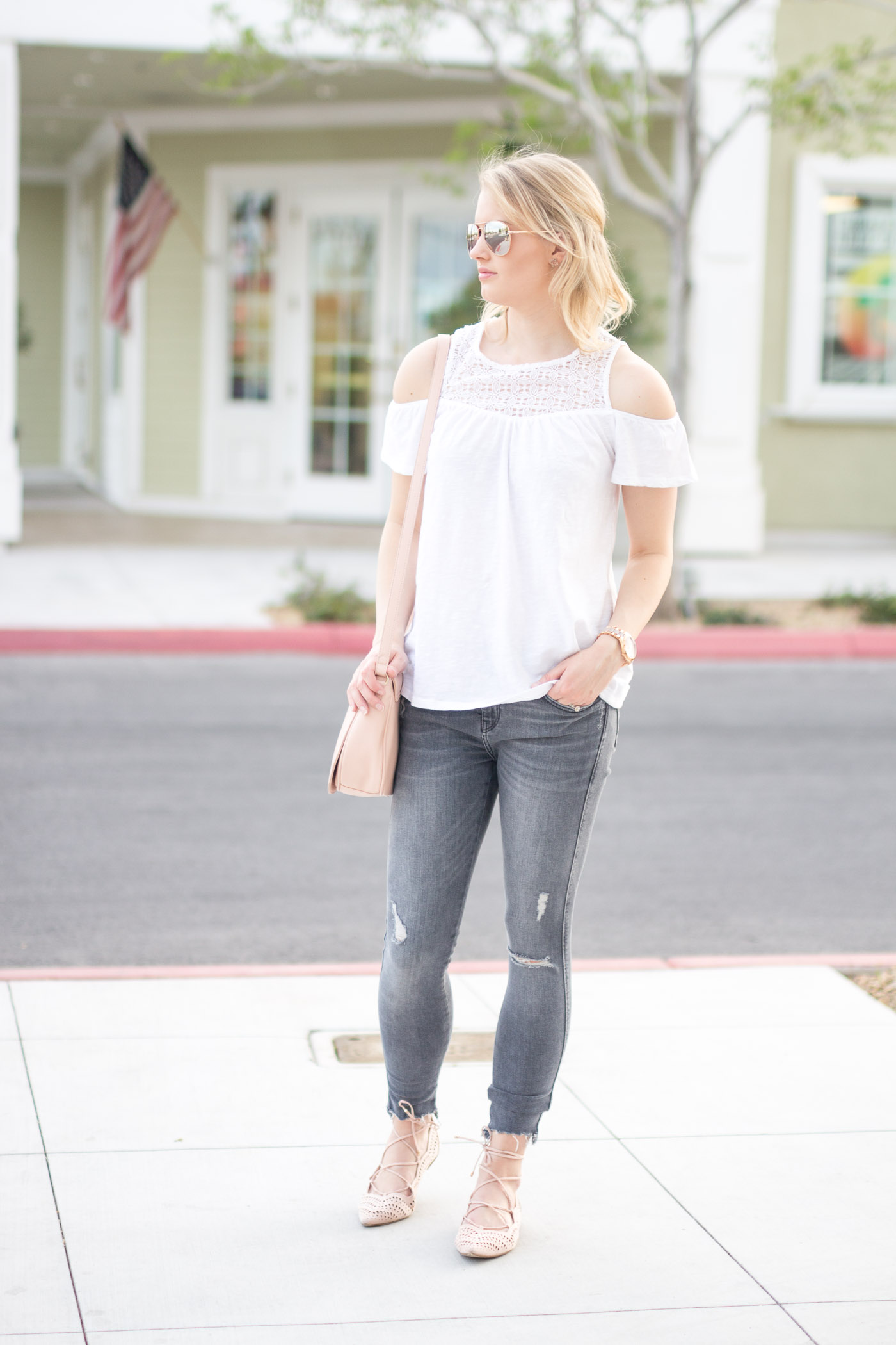 34750cdd1642b4 What To Wear With Grey Jeans For Spring - Treats and Trends