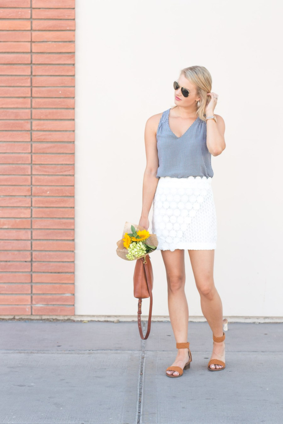 how to wear a white skirt on your period