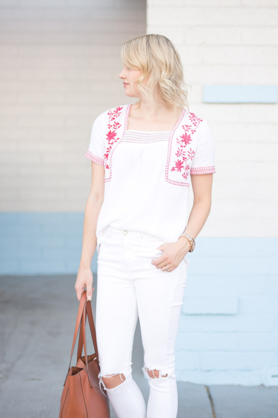 How To Add Color To Your Closet When You Usually Wear Neutrals, white on white outfit, Old Navy summer