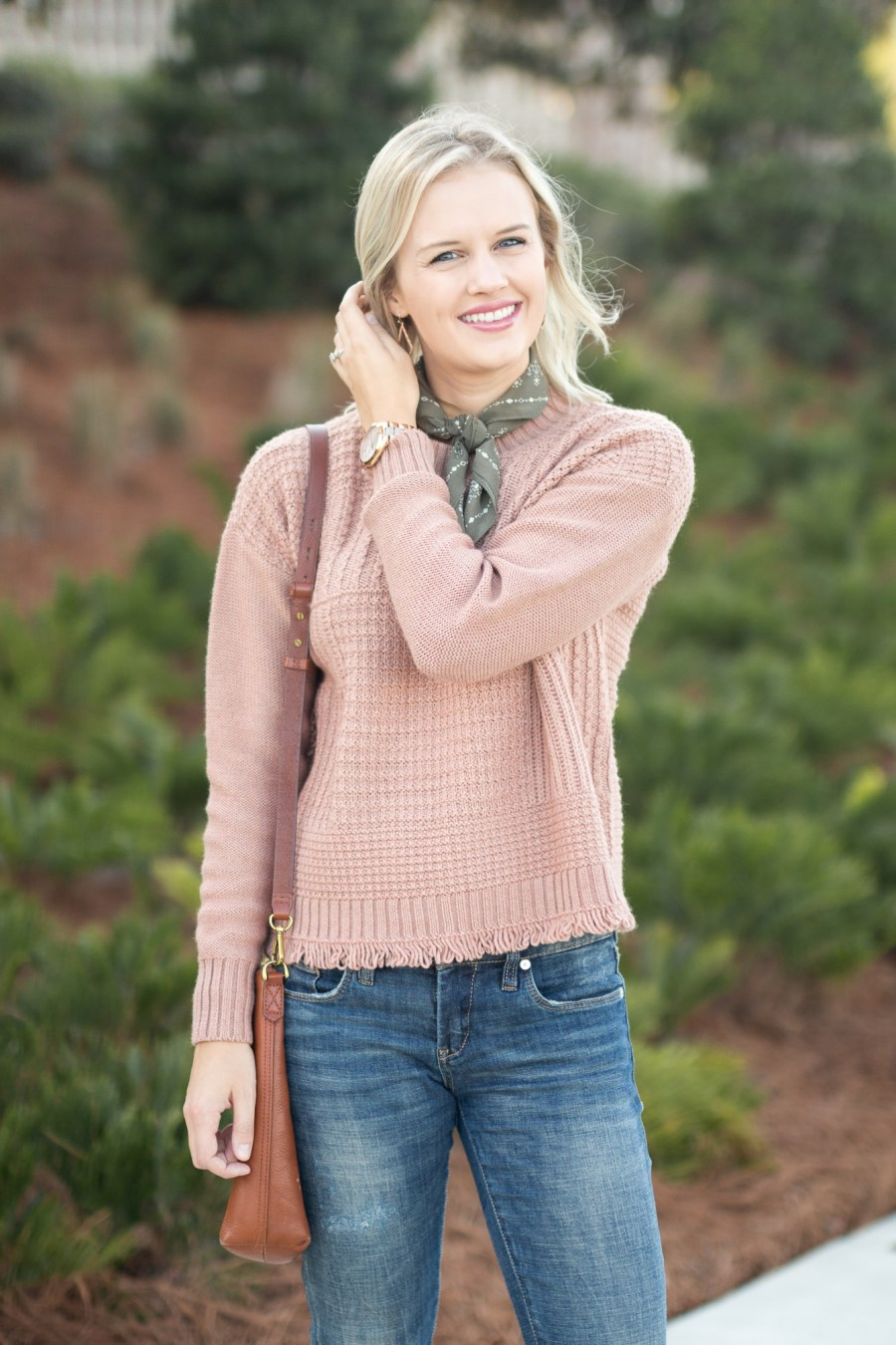 Casual Thanksgiving Outfit Idea with pink Madewell sweater