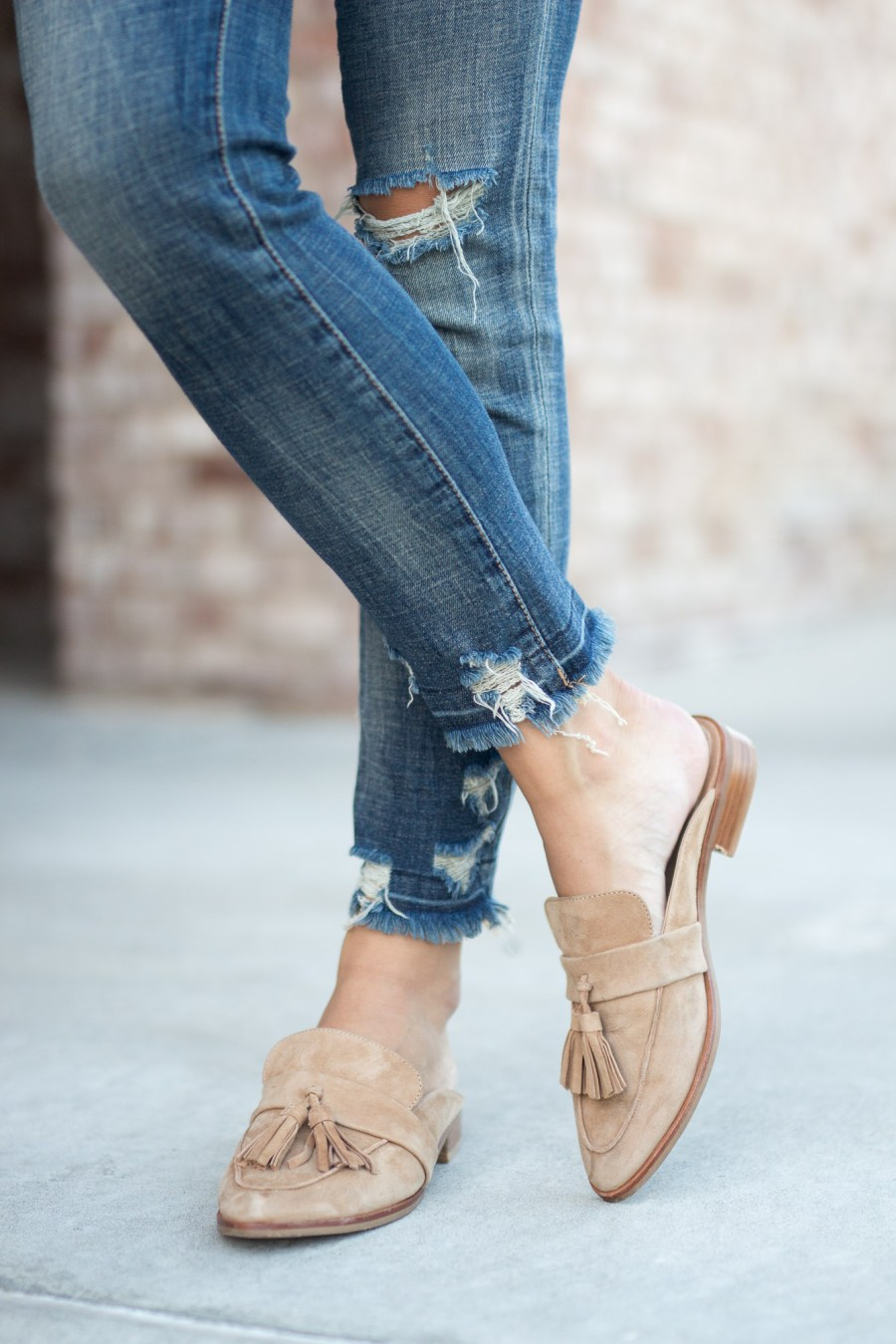 Casual Thanksgiving Outfit Idea with tassel mules