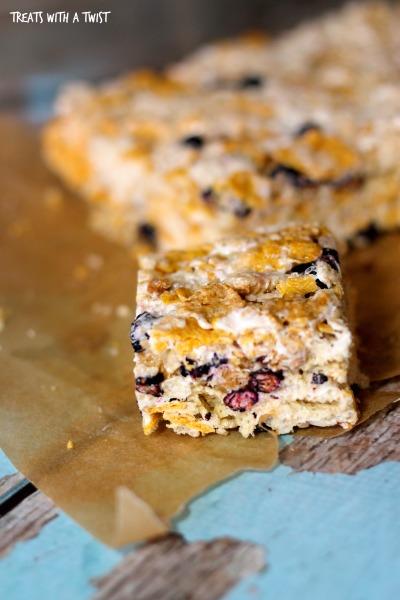 Blueberry-Cereal-Crispie-Bars 5