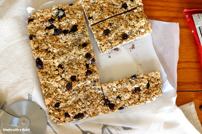 Dark Chocolate Cherry Granola Bars (treatswithatwist.com)