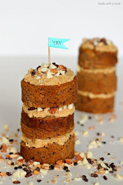 Honey Cashew Banana Cake (treatswithatwist.com)