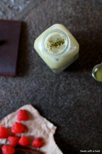 Iced Vanilla Matcha Latte 3