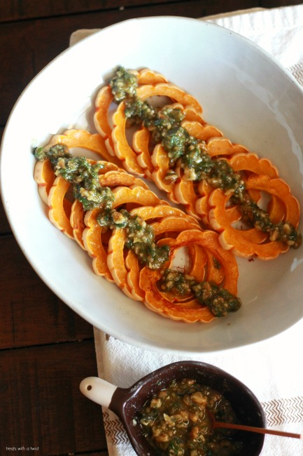 Roasted Delicata Squash with Vegan Walnut Pesto // gluten free, vegan // treatswithatwist.com