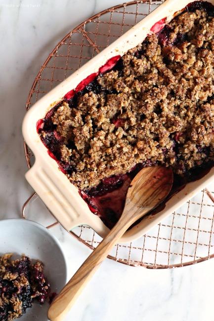 Berry Walnut Oat Crisp // gluten free // treatswithatwist.com
