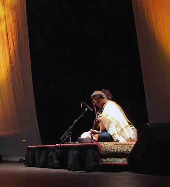 Jyotsna-Gold-light