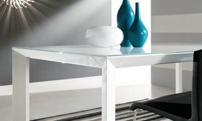 Riflessi MANHATTAN - Contemporary Italian dining table-lacquered-wooden-table-manhattan-riflessi-detail-6