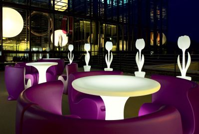 Contemporary and modern outdoor furniture