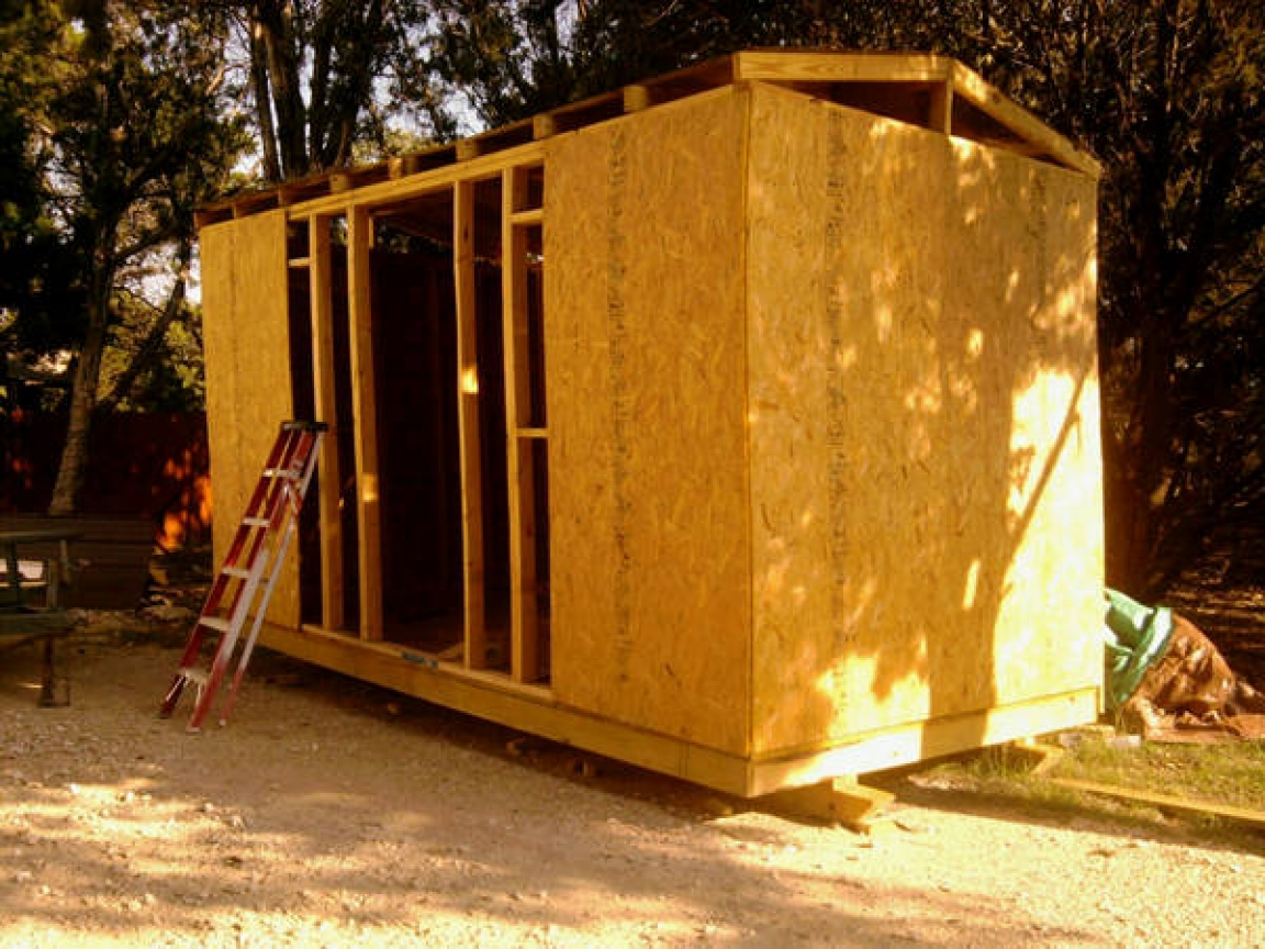 Building Log Cabin Woods