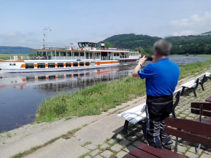 Dampfer auf der Weser