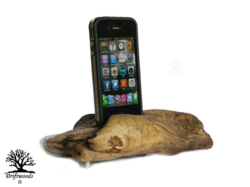 ladestation-smartphone-treibholz-art
