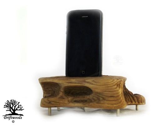 ladestation-für-smartphone-treibholz-art