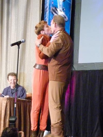 Odo e Kira em seu primeiro beijo