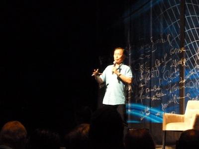 George Takei no palco
