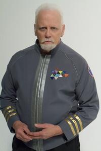 JG Hertzler - capitão Samuel Travis