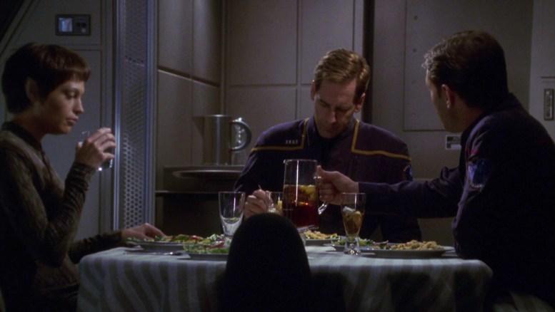 Archer, T'Pol e Tucker jantando