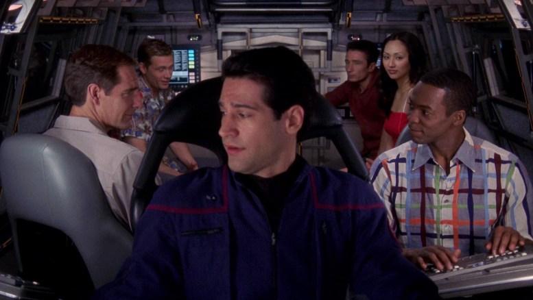 Tripulantes da Enterprise indo para Risa