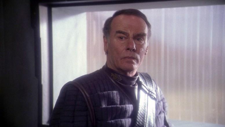 Dean Stockwell como coronel Grat em Enterprise