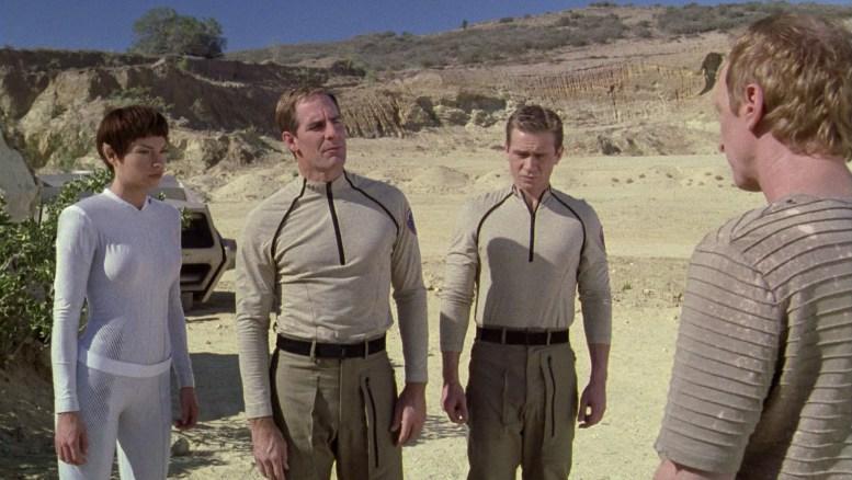 T'Pol, Archer e Tucker chegando na mina de deutério
