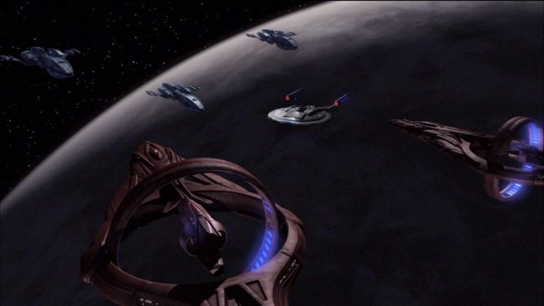 Tucker posicionando Enterprise entre naves Vulcanas e Andorianas
