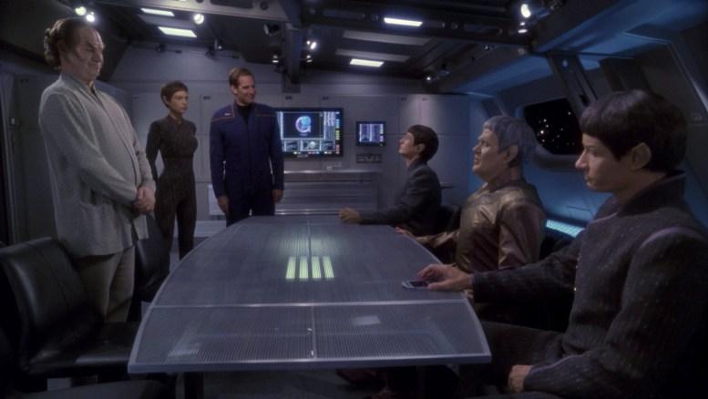 Doutores vulcanos na Enterprise com Archer, T'pol e Phlox