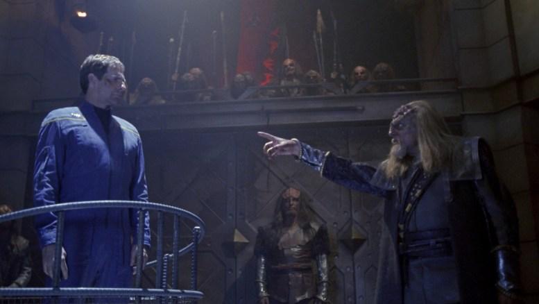 Archer sendo julgado em Qo'noS