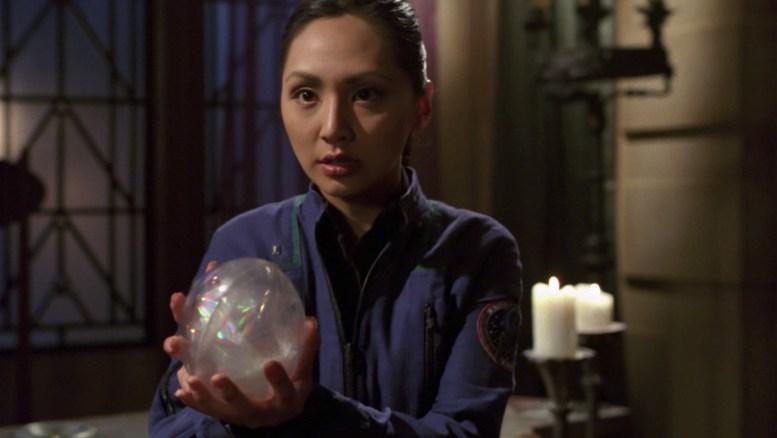 Hoshi ameaça destruir o cristal de Tarquin