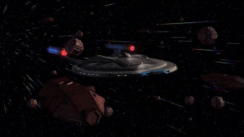 Naves suliban em volta da Enterprise