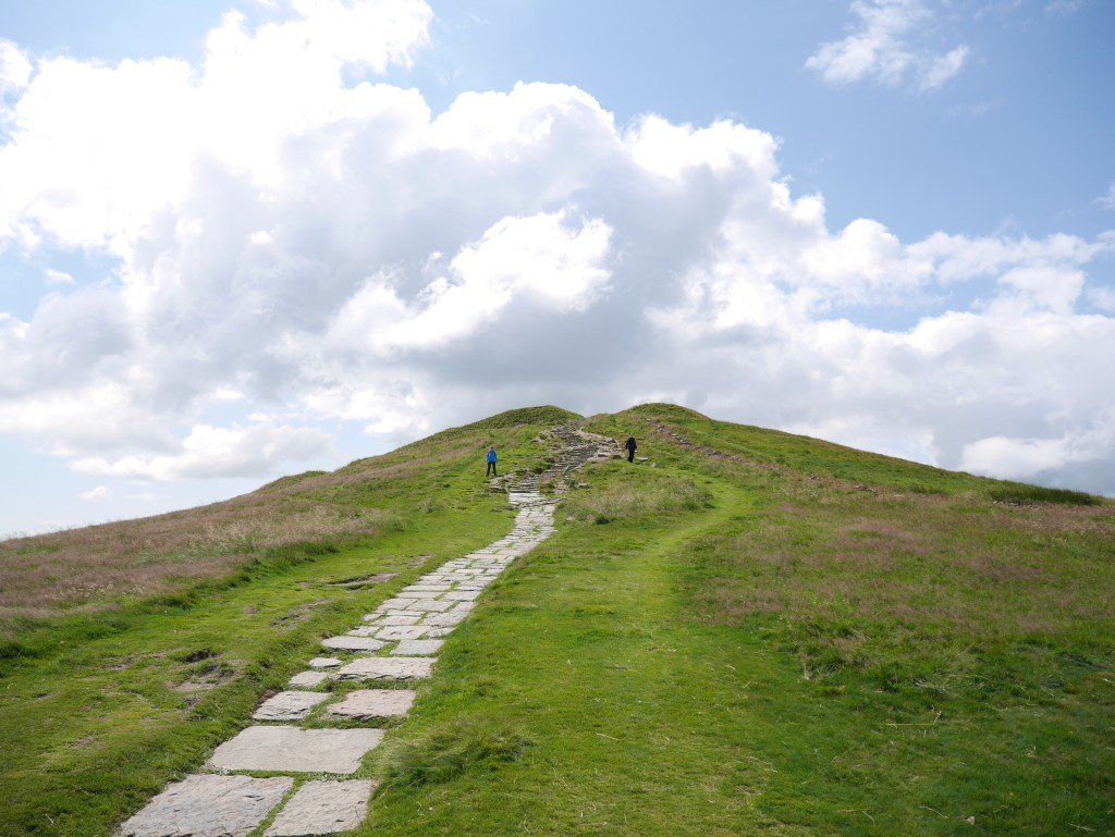 Walk along the ridge from Mam Tor to Collins Cross