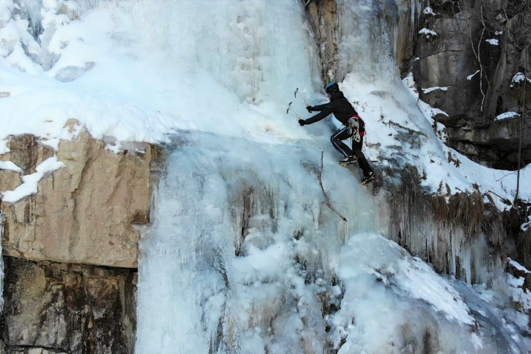Cascade de glace eric fossart