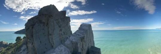 Gli scogli dei gabbiani reali sull'isola Palmaria