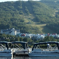 Pontoon Boat Rental - Mont Tremblant