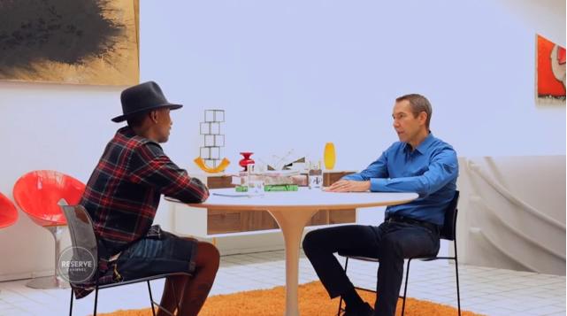 Koons & Pharrell aan de babbel