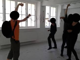 Dierenactivisten vernielen wormkunstwerk in Maastricht