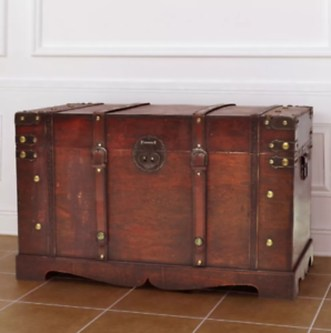 Ideas To Decorate Your House With Vintage Chests And Trunks 10