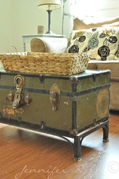 Ideas To Decorate Your House With Vintage Chests And Trunks 36