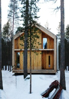 A Wooden House That's Simple On The Outside But Modern On The Inside 14