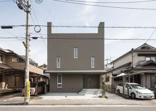 This Japanese House Looks Peculiar But Beautiful 05