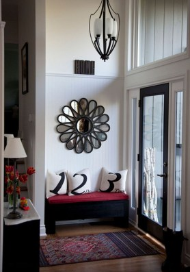 Stylish Small Entrance Ideas 33