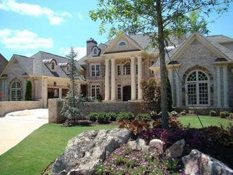 This Family House Has The Best Luxury 02