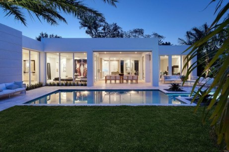 This Family House Has The Best Luxury 09