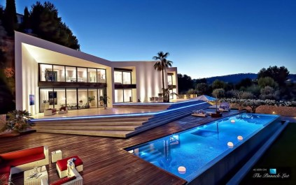 This Family House Has The Best Luxury 20